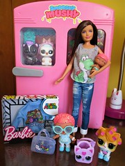 New clothing (flores272) Tags: barbie barbiedoll barbieclothing skipperdoll skipper lolsurprise lolpets doll dolls toy toys