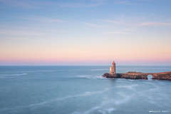 Premières couleurs d'une belle journée (Kambr zu) Tags: erwanach kambrzu finistère bretagne lighthouse tourism ach sea phare ciel seascape landescape poselongue plouzané petitminou merdiroise paysages paysagesmythiques lanterne