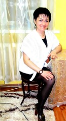 amp-1799 (vsmrn) Tags: amputee woman crutches onelegged nylon pantyhose