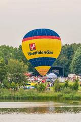 2013_Mongolfiade_Münster-2 (Joachim Spenrath Münster, Germany) Tags: outdoor air ballon ballonfahren ballooning borderfx europe germany glow illumination mongolfiade night nrw montgolfiade hot münster deutschland aasee