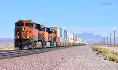 BNSF 6905 ( GE ES44C4 ) (vsoe) Tags: züge güterzug güterzugstrecke transcon eisenbahn train railway railroad freighttrain ge engine diesel bnsf california kalifornien usa amerika america mojave desert wüste