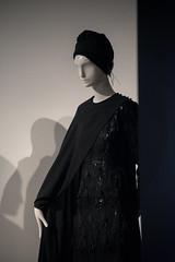 Contemporary Muslim Fashions im MAK- PK-bw_20190403_8486.jpg (Barbara Walzer) Tags: 030419 contemporarymuslimfashions mak museumangewandtekunstfrankfurt