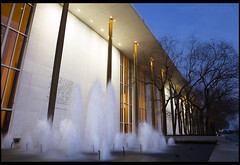 Kennedy Center Fountain (Nrbelex) Tags: canon dslr 5dmkiii nrbelex ef2470mm 2470mmf28 2470mm 2470mml 5diii washington dc washingtondc bw polarizer bwcircularpolarizer circularpolarizer longexposure argb adobergb bluehour kennedycenter johnfkennedycenterfortheperformingarts kennedycenterfortheperformingarts thekennedycenter fountain water