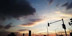 Contraluz Citadino (mayavilla) Tags: semaforos contraluz citadino nubes cielo lineas ciuda atardecer