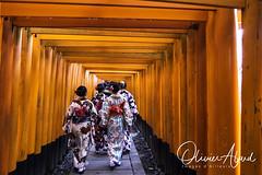 Japan19Ky_IO_1054-1 (oalard) Tags: japan japon canon 1dmkiv kyoto temple tori women femme kimono