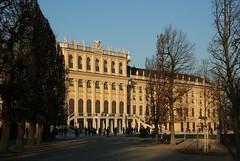 Schönbrunn (Wolfgang Bazer) Tags: schönbrunn spätnachmittag spätnachmittagssonne late afternoon sun schloss schlosspark palace wien vienna österreich austria