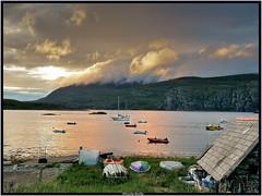 Déclin du jour  (at the eventide) (pileath) Tags: ngc ecosse scotland paysage landscapte loch lac twilight eventide fin de journée coucher du soleil sunshine boats bateau