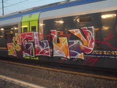920 (en-ri) Tags: felly trds arancione viola rosso train torino graffiti writing