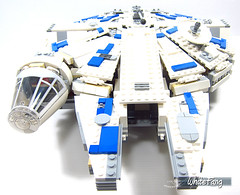 Front view of the Millennium Falcon without auxiliary craft (WhiteFang (Eurobricks)) Tags: lego star wars han solo story movie blockbuster spinoff gang outer rims tobias enfy nest high speed chase millennium falcon mf lando bet parsec crew ship corellian