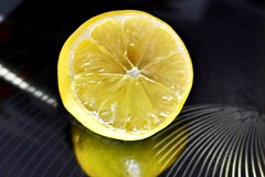 Lemon Squeezy (helensaarinen) Tags: macromondays hardlight yellow lemon