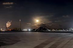 Tonight's moon over Toronto (A Great Capture) Tags: moon supermoon toronto portlands hearn fullmoon longexposure supersnowmoon