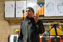 73é dilluns consecutiu a la Plaça del Vi de Girona Avui amb en Lluís Llach (rossendgricasas) Tags: freecatalanpoliticalprisoners lluísllach freedom girona catalonia people street photoperiodism photo photoshop color night