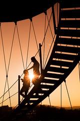 Killesbergturm Stuttgart (cygossphotography) Tags: treppe stairs escalier killesbergturm killesberg stuttgart badenwürttemberg deutschland germany allemagne menschen people personnes paar couple streetphotography sonnenuntergang sunset coucherdusoleil silhouette goldenestunde goldenhour heuredorée canon eos 6d