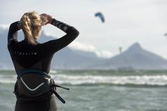 (Rob Millenaar) Tags: southafrica bloubergstrand dolphinbeach capetown kitesurfing people