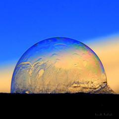 Bulle de savon partiellement congelée (afaribault) Tags: bulle savon congelée air frozen bubble
