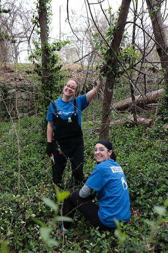 """Caleres helps to clean up Forest Park • <a style=""""font-size:0.8em;"""" href=""""http://www.flickr.com/photos/45709694@N06/33716927568/"""" target=""""_blank"""">View on Flickr</a>"""