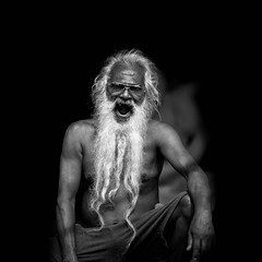 Yawning man (Henrik Ladegaard-Pedersen) Tags: yawning man beard monochrome blackandwhite old white blackglasses dramatic beautiful srilanka galle