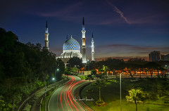 Masjid Sultan Salahudin Abdul Aziz Shah (Blue Mosque), Shah Alam, Malaysia. January 2019. (Nur Ismail Photography) Tags: building architecture sky islamic mosque malaysia religious asia sunrise sunset blue culture religion dome muslim landmark landscape travel minaret worship tourism city alam beautiful selangor shah islam exterior masjid sultan tower holy background view ramadan aziz abdul modern light salahuddin scenery morning urban faith monument traditional road asian famous nature