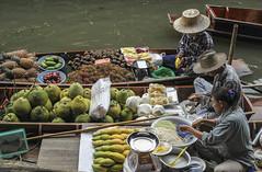 Floating Market Bangkok, prepairing food. (Only photoshoot, don't be afraid) Tags: thailand bangkok food yellow green water canal market floating nikkor nikon hat prepair fruit rambutan pomelo mango guava papaya pineapple mangosteen