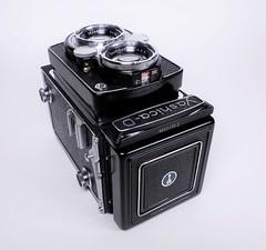 Yashica D - TLR from 1965 (http://www.yashicasailorboy.com) Tags: yashica camera tlr yashicad 120 6x6cm japan mediumformat fujifilm xa10 xseries