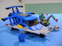 Custom Lego Spaceship V2 inspired from the classic space set 924 487 (TekBrick) Tags: custom lego unique spaceship space classic v2 set 487 924 497 928 blue light grey gray minifigure green benny moc bricks parts