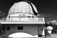 three escapes (robert.freitag) Tags: nikond7200 nikon nikkor bw sw sky himmel abandoned decay lostplaces observatory sternwarte