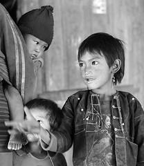 Children in a mountain village – Myanmar (lotusblancphotography) Tags: asia asie myanmar burma birmanie travel voyage people gens children child enfant enfants monochrome blackwhite portrait