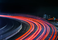 around the corner (pbo31) Tags: bayarea eastbay alamedacounty nikon d810 color night dark black february 2019 boury pbo31 california over lightstream motion roadway highway traffic red 580 castrovalley rain wet storm curve turn ramp exit overpass