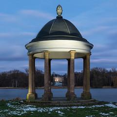 Pavillion (juergen_gryska) Tags: abend südsee winter architektur blauestunde