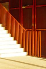 Pour aller plus haut ... (Edgard.V) Tags: paris parigi escaliers stairs escada escala grille grade solelil sun sole sol lumière luz light luce