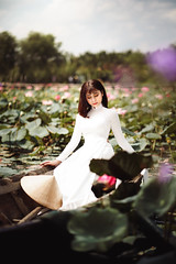 NAM06887-Edit (ngocnam23041991) Tags: portrait lotus vietnam vietnamese afternoon beauty forest saigon hochiminh sonyalpha a7iii a7m3 sony85mmf18 fe85mmf18 tree grass aodai