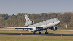 RNLAF KDC-10 leaving Eindhoven for another day of EART 2019 (Nicky Boogaard) Tags: eart2019 eart europeanairrefuelingtraining europeanairrefuelingtraining2019 eindhoven ehv eheh military militaryaviation tankeraircraft tanker eindhovenairport eindhovenairbase rnlaf royalnetherlandsairforce koninklijkeluchtmacht dc10 kdc10 t264 phmbt