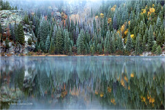 Frosty Bear Lake (Sandra Lipproß) Tags: bearlake lake frost reflection fall winter mist misty forest trees nature outdoor landscape colorado usa rockymountains rockymountainnationalpark water frozen