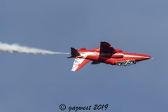 ON THE PHONE, UPSIDE DOWN! (Gaz West) Tags: upside down crossover hawk t1 xx244 on the phone red arrow redarrows