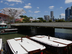 SingaporeRiverColonialDistrict010 (tjabeljan) Tags: singapore asia colonialdistrict singaporeriver colemanbridge oldparliament fullertonhotel themelrion raffles victoriatheatre clarkquay marinabay