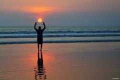 Jaco color. (Orcoo) Tags: color colors colores cielo contraluz backlight beach playa wabes costarica silueta vacaciones vacations sun sunset mar