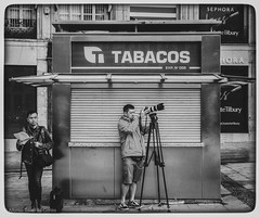 """""""The photographer and the assistant"""" (alfonsoscg) Tags: apple iphone 7 plus back dual camera 66mm f28 ƒ28 66 mm 190 20 bw black blanco white negro"""