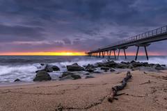 _DSC6098 (Masaco 76) Tags: paisaje marina mar amanecer puente nikon tamron tronco rocas larga exposición filtros benro color