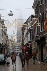 Zwanestraat (Jeroen Hillenga) Tags: zwanestraat groningen netherlands nederland city cityscape stad straat street streetwise straatfotografie streetphotography zwartekat blackcat mistig martinitoren