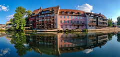 Pegnitz (MAKER Photography) Tags: pegnitz nürnberg deutschland bayern germany bavaria oneplus 6 smartphone phone mobile panorama river water reflection sky clouds house buildings houses trees tree leaves leaf plant plants bushes bush