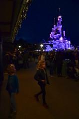 The Kids At Disneyland Paris (Joe Shlabotnik) Tags: castle disneyland disneylandparis violet everett paris france april2018 eurodisney disney 2018 afsdxvrzoomnikkor18105mmf3556ged