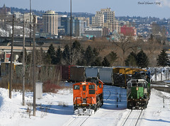 Green and orange (Missabe Road) Tags: bnsf 3704 1953 missabejunction duluth mp15 sd402