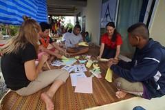 Atelier d'origami (infoglobalong) Tags: stage étudiant service bénévolat volontaire international engagement solidaire voyage découverte enseignement éducation école enfants aide alphabétisation scolaire asie thaïlande jeux sport art informatique rénovations
