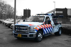Politie Team Transport Rotterdam Ford F350 Super Duty (Boss-19) Tags: landelijke eenheid politie policia police polizia polizei ford towtruck lepel takelwagen scoop rotterdam transport team en ondersteuning veilingweg flitsdag nieuwcrooswijk zuidholland nederland the netherlands niederlande pays bays holland f350 super duty superduty jerrdan jerr dan 53 53bgn7 bgn bgn7 boss19 national fun fence design outside black blackwhite white blue light art street town city reflection bw old new blackandwhite colorfull picture sun photo photography