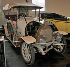 Knipperdolling (Schwanzus_Longus) Tags: age ancient auto automobile brass car classic convertible german germany history kd melle museum vehicle vintage white knipperdolling dürkopp old top fahrzeug antique historic cabrio cabriolet tourer