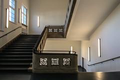 Learning... (Elbmaedchen) Tags: treppenhaus treppe stairwell staircase eckig interior roundandround upanddownstairs hochschule hamburg campus berlinertor