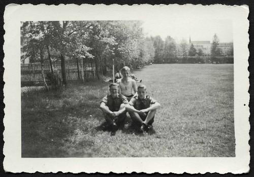 Archiv S565 Auf dem Sportplatz, Freital, 1940er