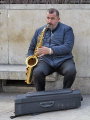 Today, in addition to the drums, there is also the saxophone (pivapao's citylife flavors) Tags: paris france trocadero streetartist portrait