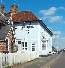 Swan Inn, Hatfield Peverel. (piktaker) Tags: essex hatfieldpeverel pub inn bar tavern publichouse swaninn