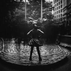 Fearless (Zeb Andrews) Tags: kodakportra400 hasselblad500c newyork fearlessgirl longexposure newyorkcity wallstreet manhattan tourist crowd